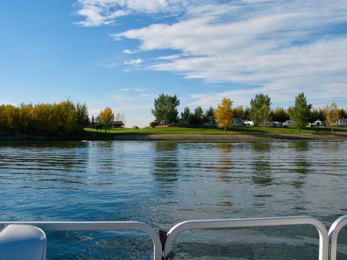 Pre-Booking Vacation Rentals for Summer! - Gleniffer Lake - Lake Properties Alberta - Featured Image